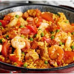 Paella de mariscos con arroz